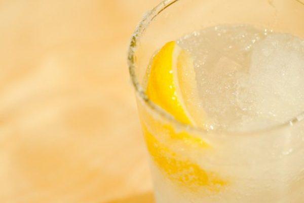 人気の酒が飲食店を回す!①健康志向の火付け役レモンサワー