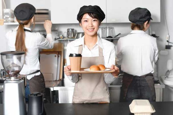 高校生におすすめの「楽なバイト」を大公開!稼げる×学校と両立できる!